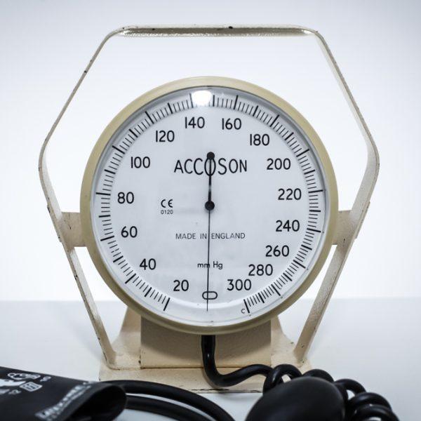 Ciśnieniomierz zegarowy lekarski ACCOSON 6 calowy na biurko