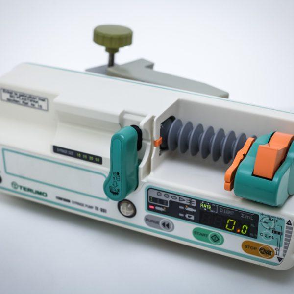 Pompa infuzyjna strzykawkowa TERUMO TE-331