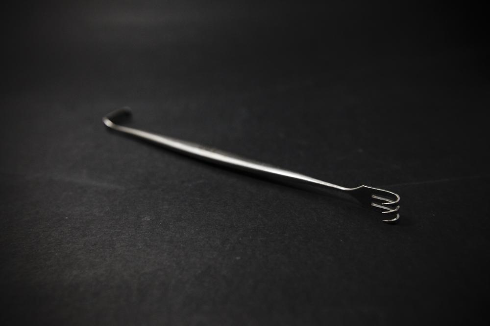 Hak chirurgiczny dwustronny (18/2) retraktor tępy hak