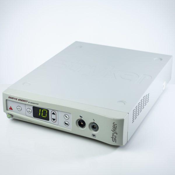 Używany generator fal wysokiej częstotliwości do zabiegów artroskopowych marki Stryker System elektrochirurgiczny wykorzystujący fale radiowe (RF) przeznaczony do dostarczania wysokiej częstotliwości wyjściowej do stosowania w zabiegach artroskopowych i ortopedycznych Stryker Serfas Energy RF Generator 279-000-000 Diatermia jest używana i nosi ślady użytkowania, w pełni sprawna. Stan techniczny widoczny na zdjęciach. Posiada Paszport Techniczny wystawiony w dniu zakupu, ważny przez 12 miesięcy. Gwarancja 3 miesiące.